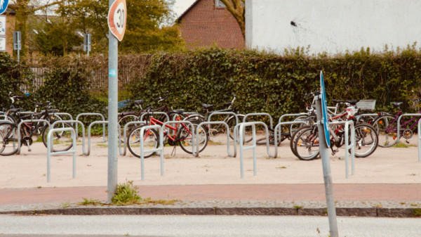 Fahrradständer am S-Bahnhof Neu Wulmstorf